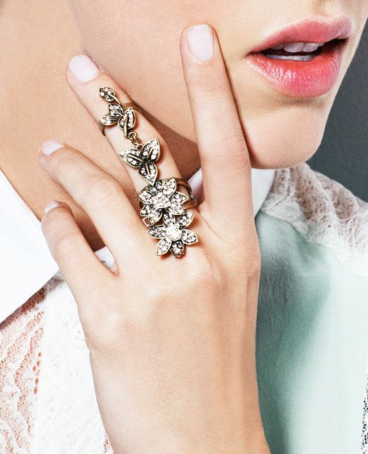 Floral knuckle ring / jewelmint