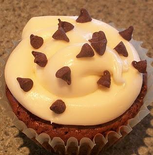 Chocolate Chip Walnut Brownie Cupcakes | Yummy desserts | Pinterest