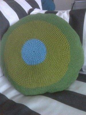 CROCHET ROUND PILLOW TUTORIAL – Only New Crochet Patterns