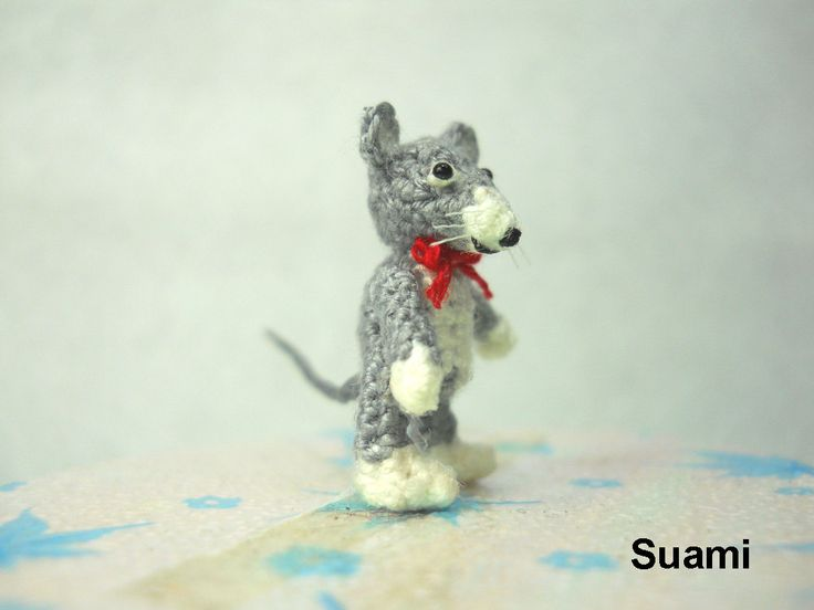 Amigurumi Doll House : Tiny Crochet Mouse Rat - Micro Amigurumi Dollhouse ...