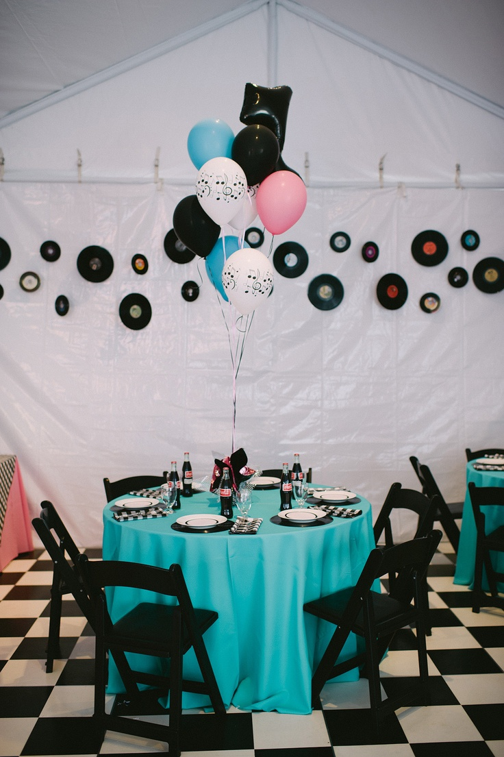 Wedding event tablescape 1950 39 s theme 1950 39 s party for 50s party decoration