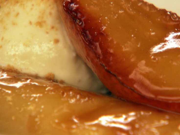Caramelized Pears (I like to use amaretti cookies instead of graham ...