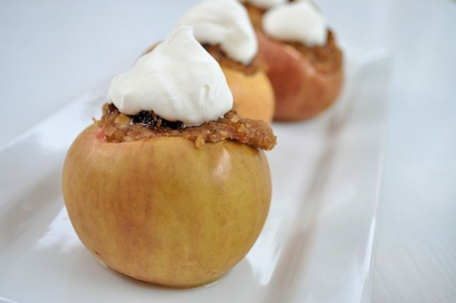 Baked Apples with Oatmeal & Brown Sugar