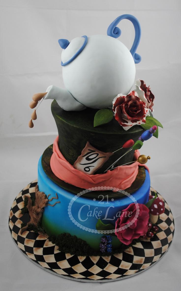 Cake Art Wonderland : Alice in Wonderland - Tim Burton Style Art Utopia ...