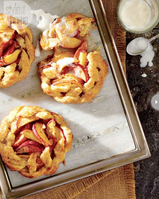 """Mini peach pies with bourbon cream 