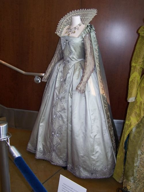 Dress worn by Cate Blanchett in Elizabeth: The Golden Age (2007), 16th century