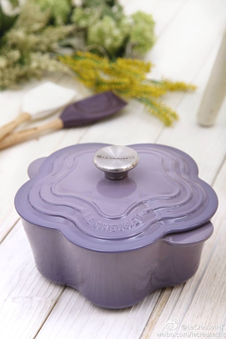 lovely purple flower pot le creuset pinterest