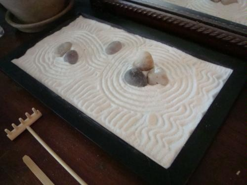 how to make a mini zen garden with plants