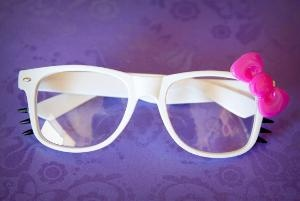 hello kitty glasses.