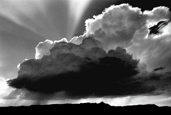 Black and white storm cloud photo | Art | Pinterest