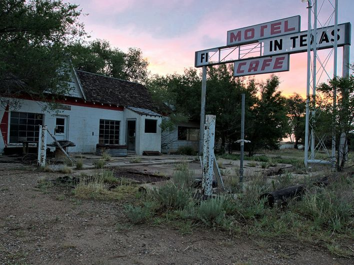 Old haunted motel in texas old mansions and abandoned pinterest
