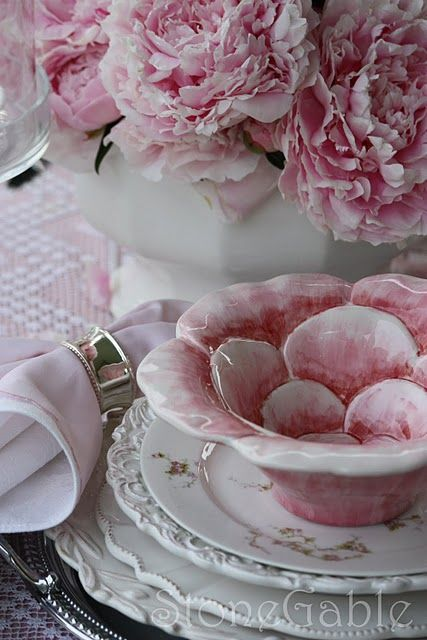 Bringing the garden indoors... #pink #kitchen #dishes #flowers #wedding #beautiful #shabby #chic #place_setting