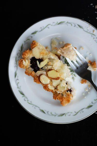 summer cherry macaroon tart | Pies, Tarts & Cobblers | Pinterest