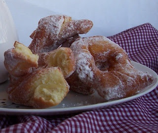 Calzones Rotos (Chilean Fried Pastries) Recipes — Dishmaps