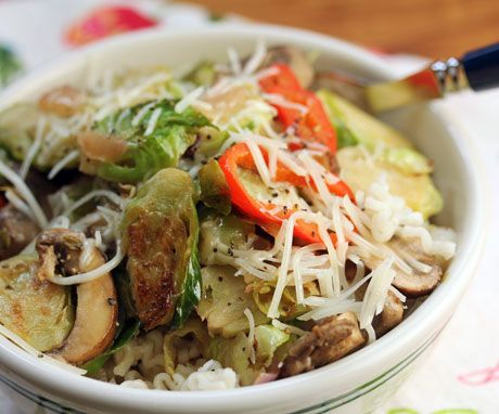 Pasta with Brussels sprouts, mushrooms, onions and bell pepper in ...