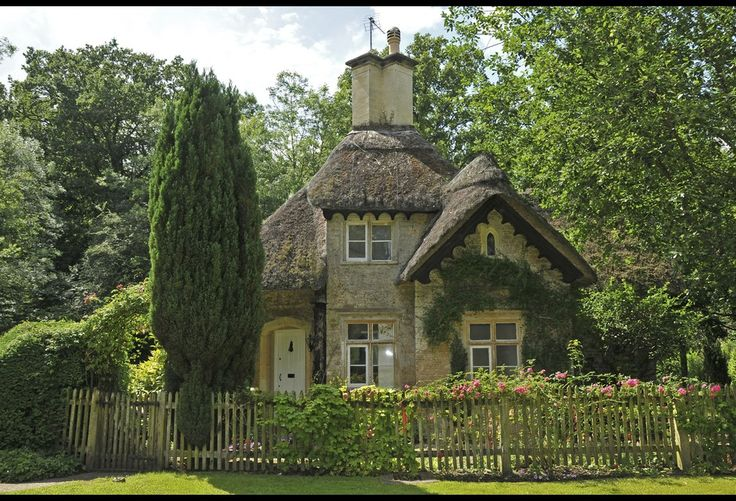 A classic english cottage dream home pinterest for Classic house genre
