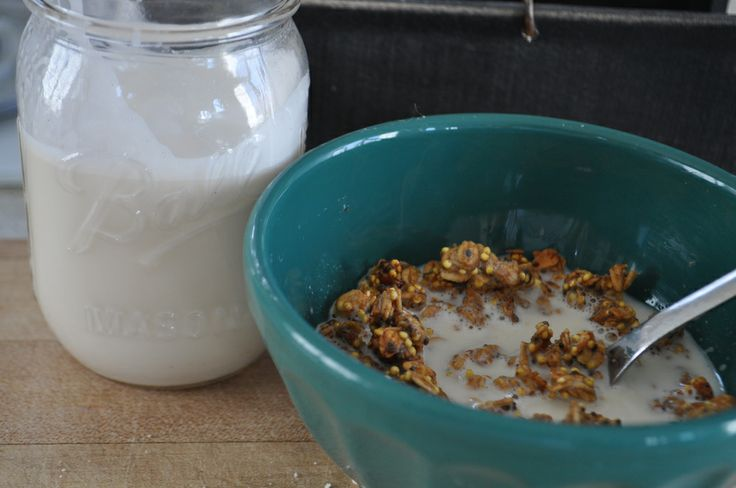 Homemade vanilla almond milk with gluten free granola!