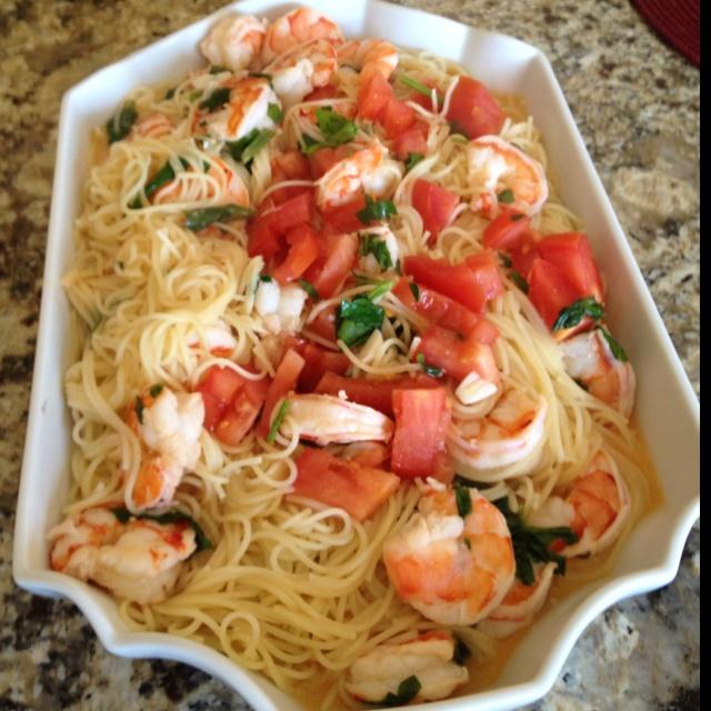 ... Shrimp pasta in garlic, lemon, white wine, , parsley, butter sauce