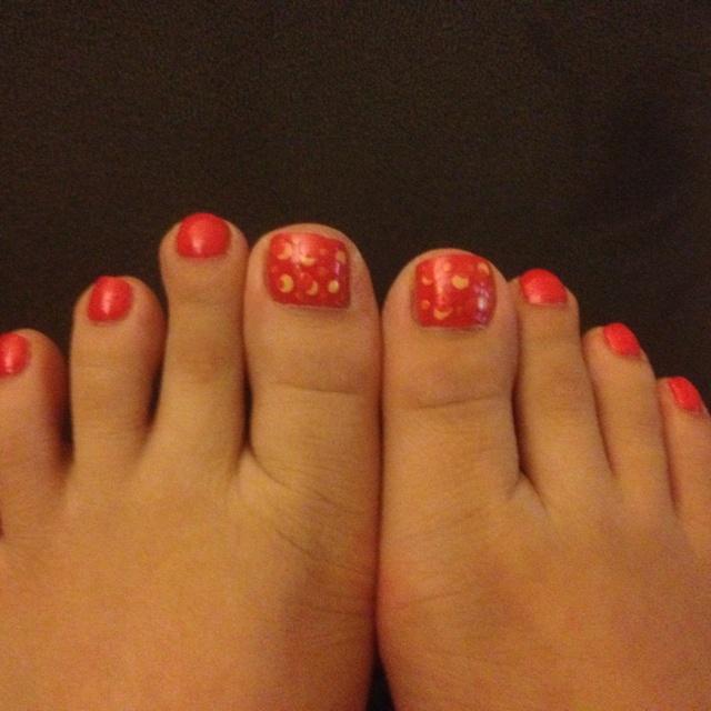 Toe nail art polka dots : Polka dots toe nail art katie s board