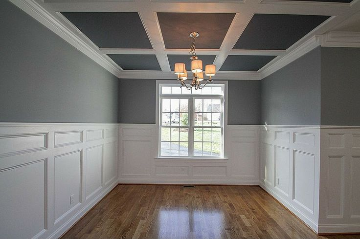 Trim work in dining room
