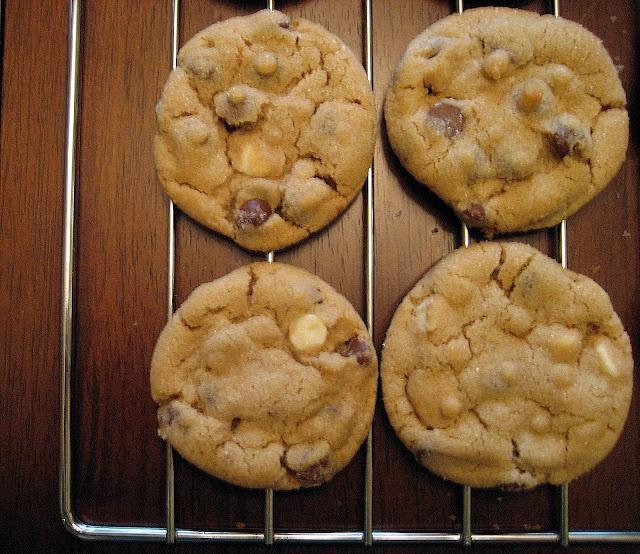 Peanut Butter Chocolate Chunk Cookies! | Don't Skip Dessert! | Pinter ...