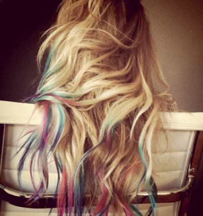 i wish my hair was this thick!!! i'd keep it long and dye the tips like this for a while, then maybe ombre it for a while, but my hair is so thin and fine that there's no point in trying anything with it :(