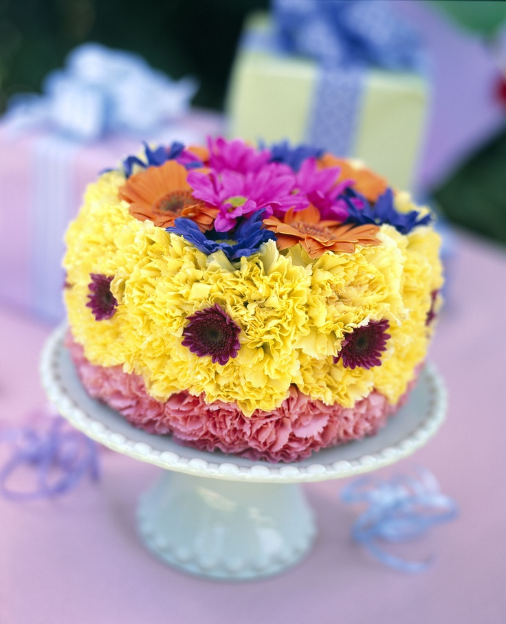 birthday cakes made out of flowers