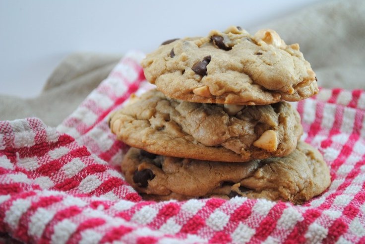 Giant Chocolate Chip Cookies | Cooookies!!!! | Pinterest