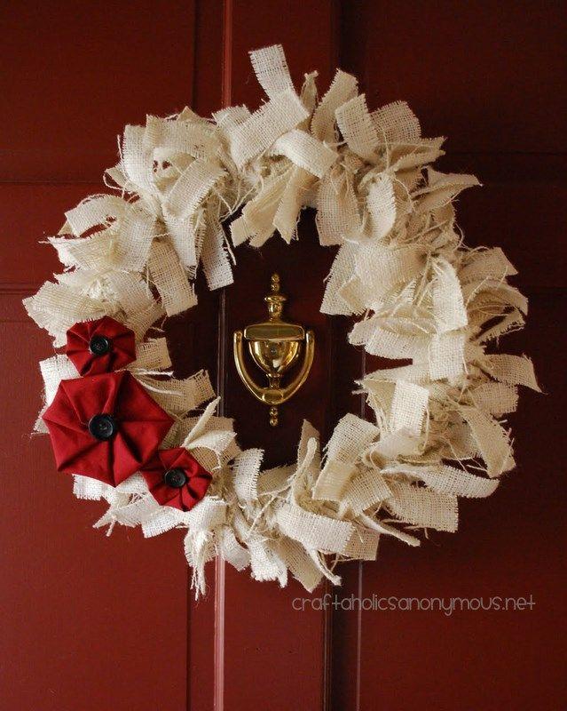 white burlap christmas wreath #christmas #wreath