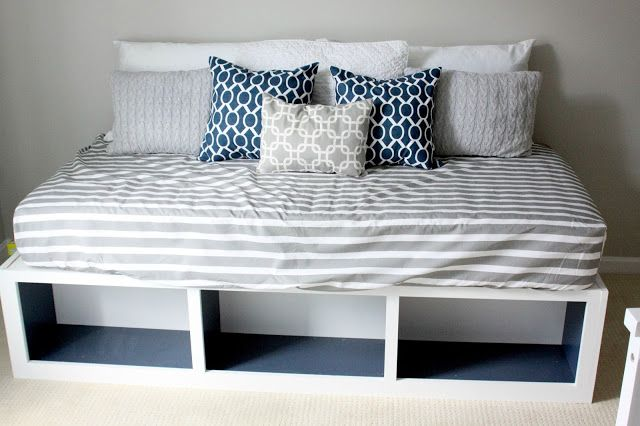 DIY Pottery Barn-inspired Day Bed - perfect for feedings, snuggles and reading in the #nursery!