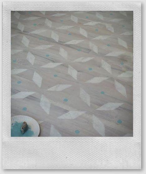Paint vinyl floor dream home pinterest for Floor paint for vinyl floors