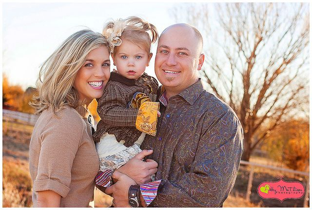 Fall Family Picture Ideas http://pinterest.com/pin/118008452709083171/