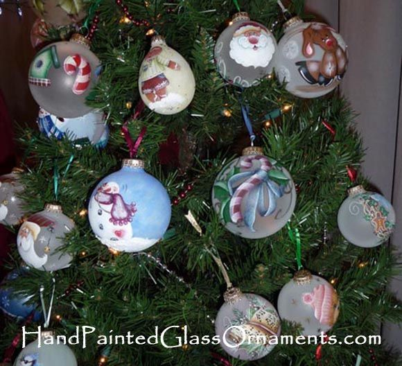 Hand painted ornaments cute holiday decorating ideas for Christmas glass painting designs