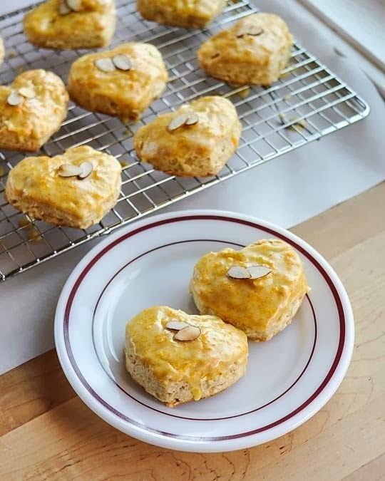 Almond Scones with Grand Marnier Glaze | Recipes ↭ Drinks Group Boar ...