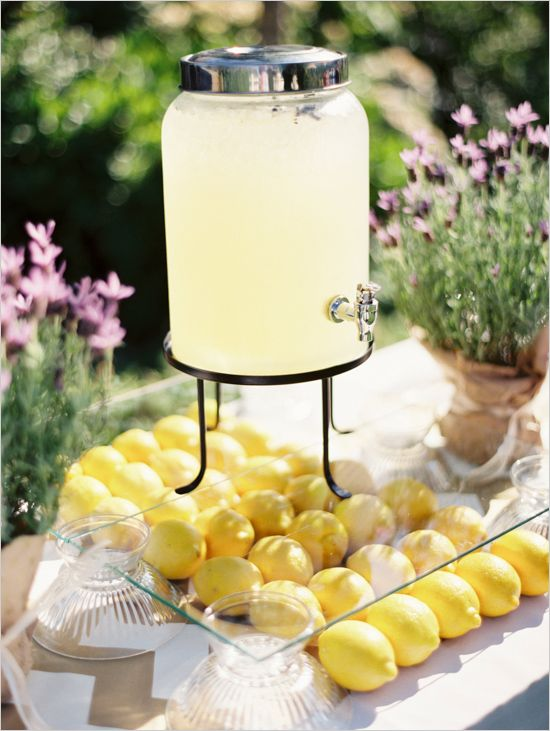wedding drink ideas #lemonade #weddingceremony #weddingchicks http://www.weddingchicks.com/2014/04/04/black-tie-oregon-wedding/