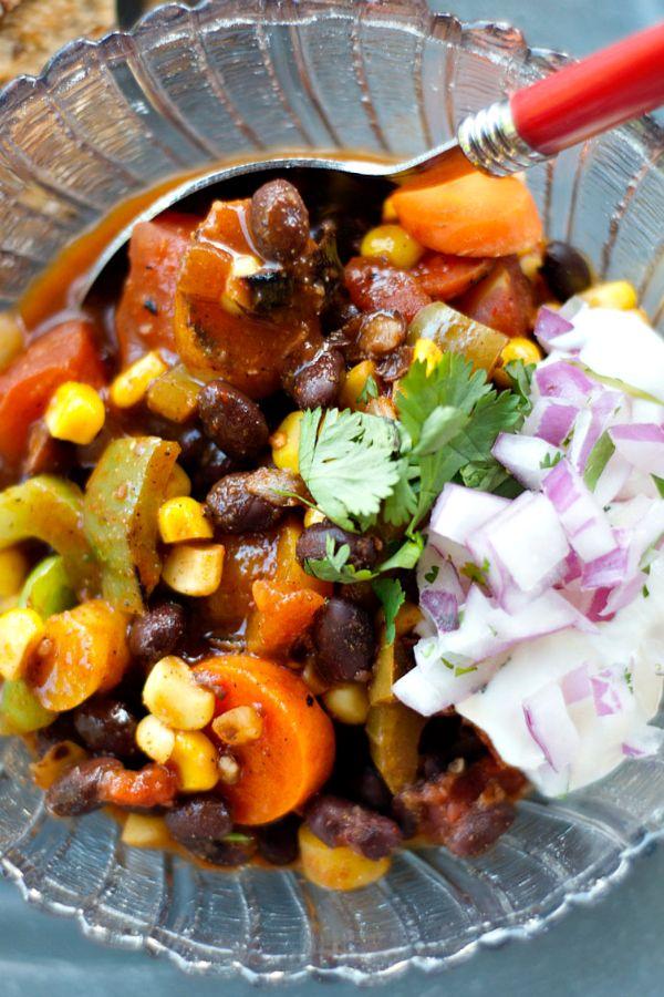 Vegetable Black Bean Summer Chili | reluctantentertainer.com