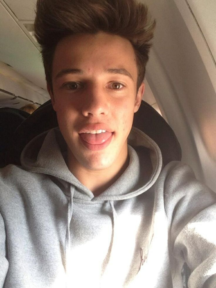 what guys find attractive in girls cameron dallas Go behind the scenes with social media sensation cameron dallas as he takes his career to the next level chasing cameron cameron and the guys go to the teen.