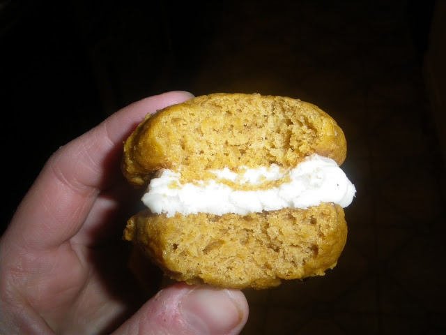 Mini Pumpkin Whoopie Pies | Food | Pinterest