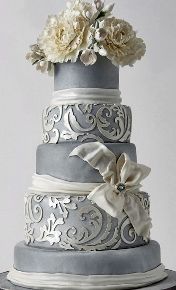 Southern Blue Celebrations: Silver Wedding Cake Ideas & Inspirations