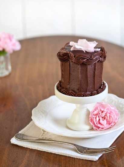 Petite Pink Lady Cake | Cakes..Cakes..Cakes | Pinterest