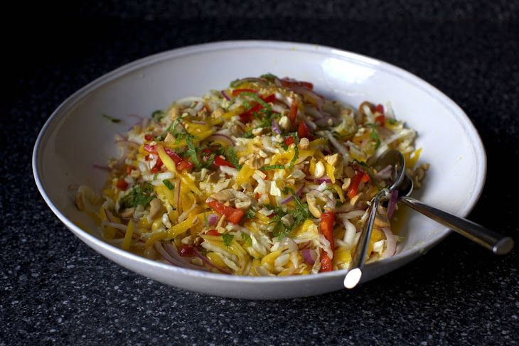 Mango Slaw with Cashews and Mint | Vegetarian/vegan diets | Pinterest