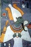 008 – En Egipto el Dios del vino es...  (A) – Horus  (B) – Osiris  (C) – Ra