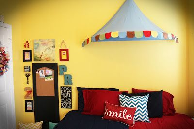Circus themed kids bedroom happy little ones pinterest for Circus themed bedroom ideas