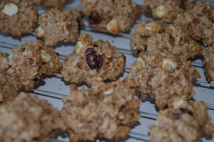 Healthy Yummy Oatmeal Cranberry White Chocolate Chunk Cookies!