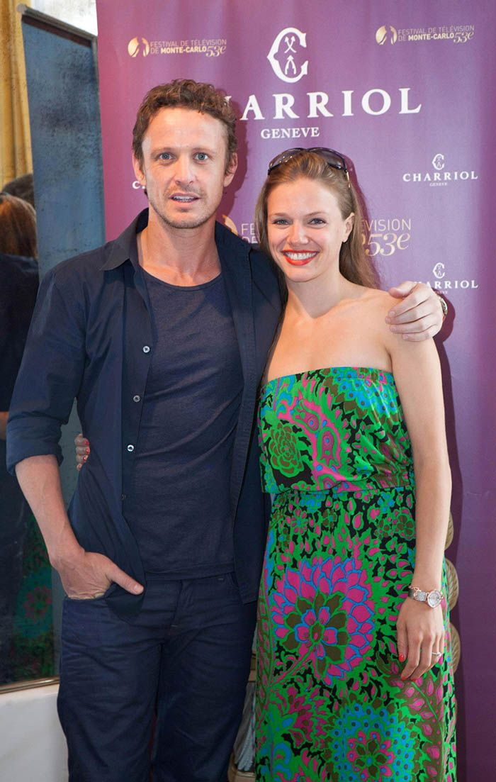 David Lyons and Tracy Spiridakos (Revolution)