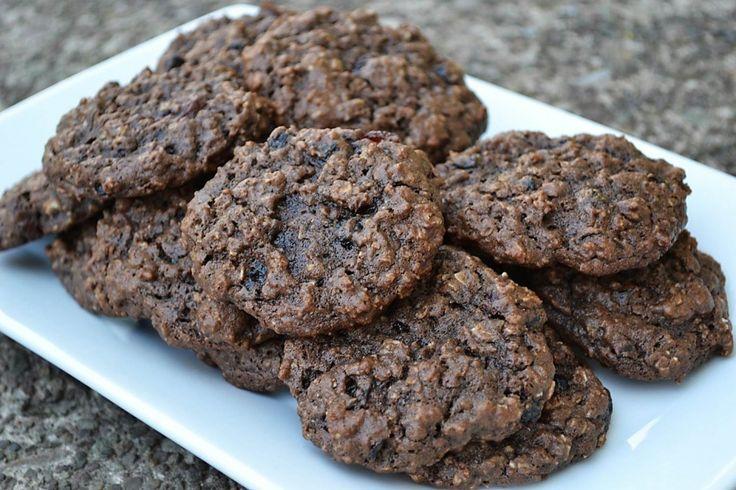 chocolate cherry oatmeal cookie | Looks good, wonder if it will taste ...