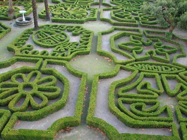 Geometric garden gardens from galicia spain pinterest for Geometric garden designs