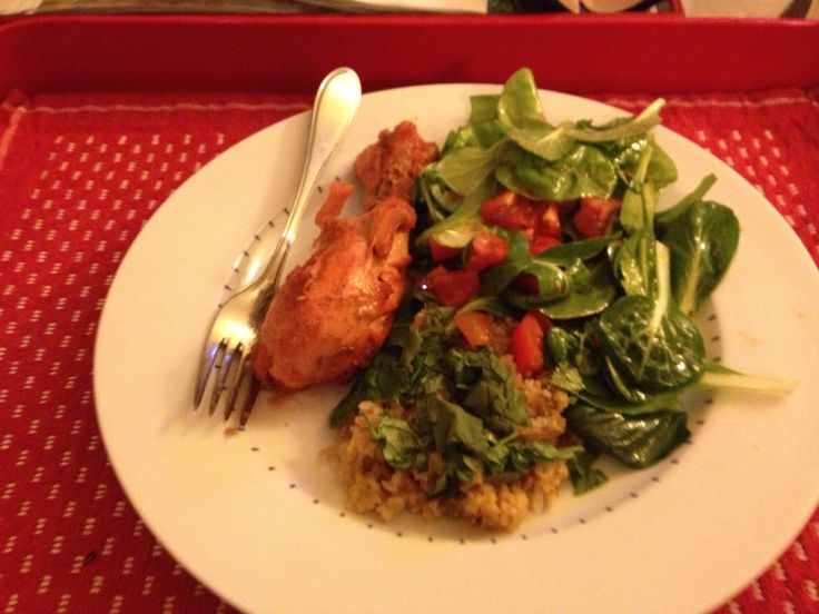 Tandoori chicken with whole-wheat couscous (with onions and pistachios ...