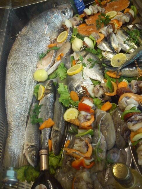 Variedade de peixe fresco