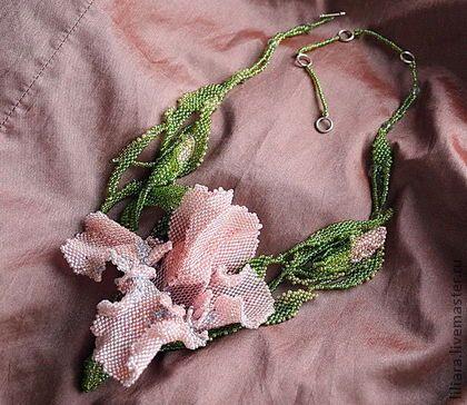 Колье, бусы ручной работы. Ярмарка Мастеров - ручная работа Ирис розовый. Handmade.